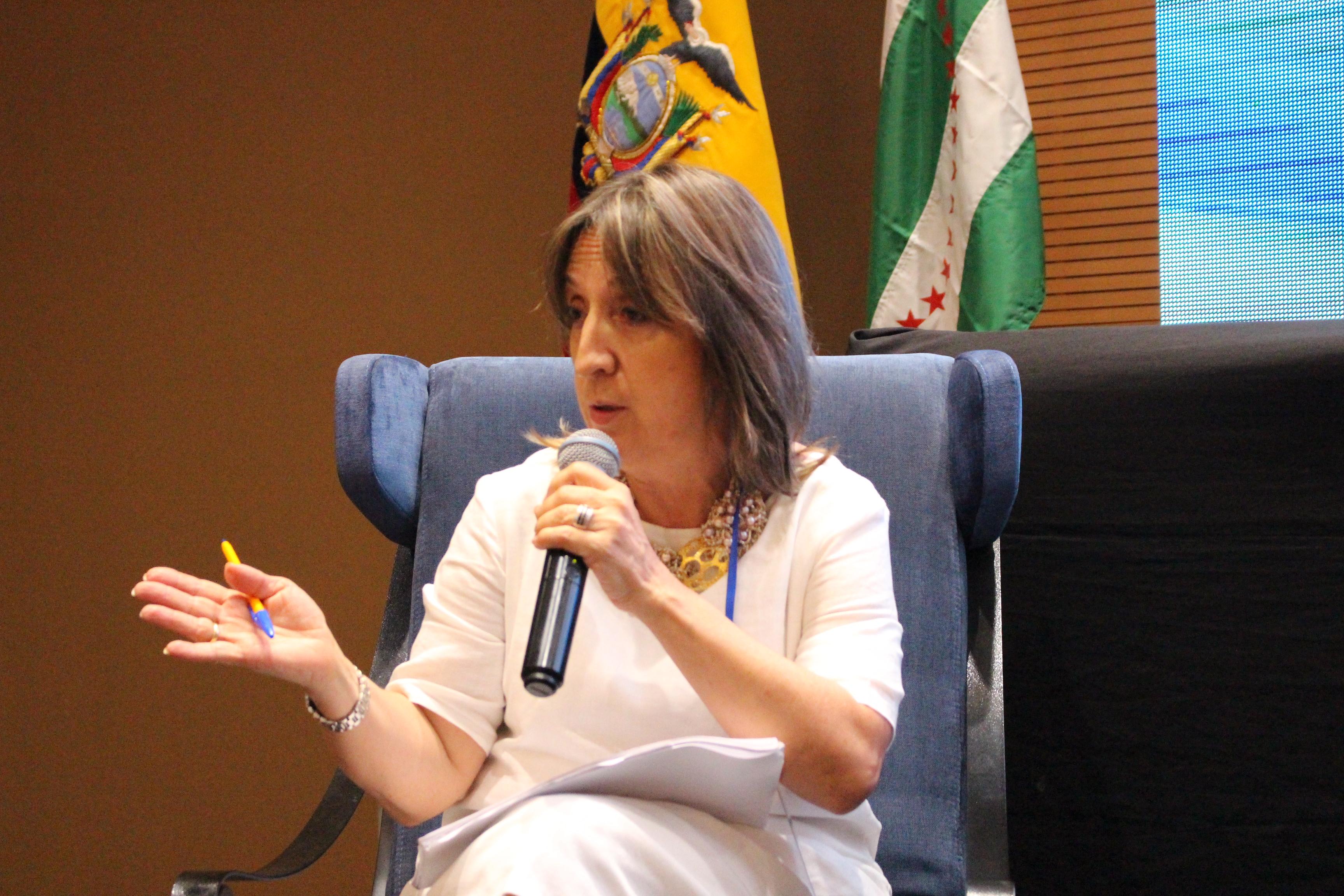 Claudia Uribe